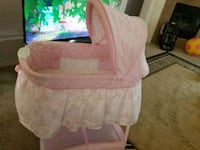 baby's white bassinet Albuquerque, 87121