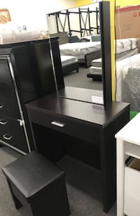 Brown Vanity With Storage Stool Sliding Mirror Finance & Take Home With $39 Cash $230 Houston, 77053
