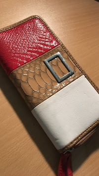 Long leather wallet with double zipper  Markham