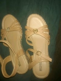 pair of brown leather sandals Arvada, 80002