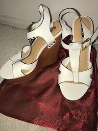 8.5 pair of white leather open-toe ankle strap wedge sandals