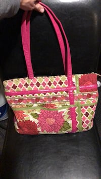 Pink and multicolored floral tote bag 156 mi