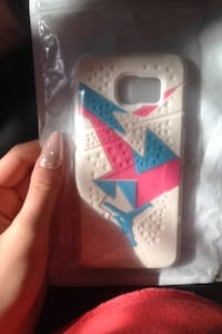 white and pink iPhone case Surrey, V3R 4Z3