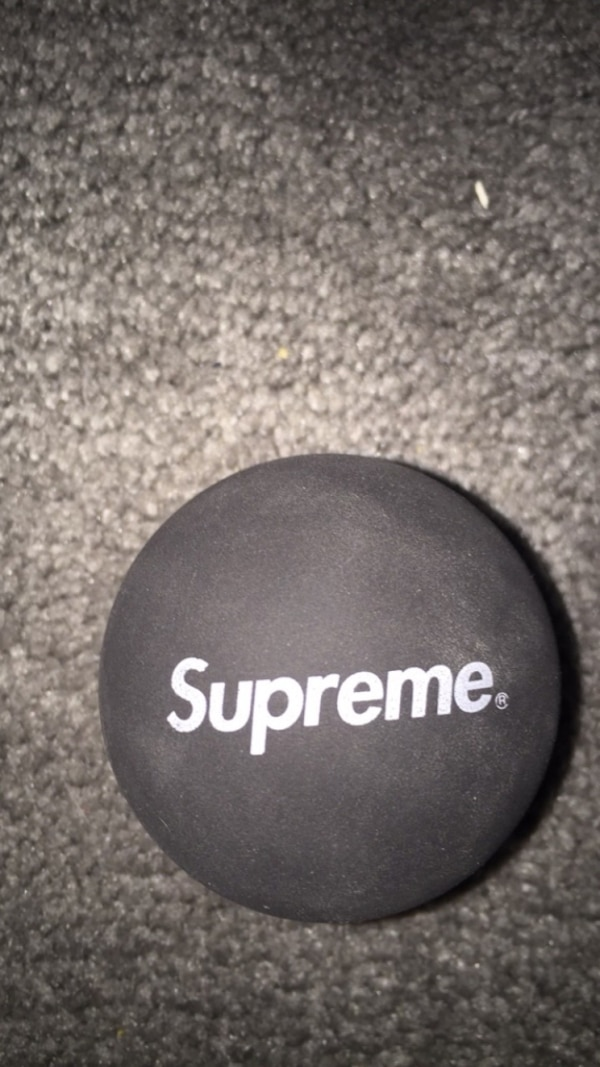 Black and white supreme sky bounce ball