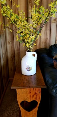 Beautiful jug w/ flowers