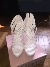 Pair of white leather open-toe heeled sandals Toronto, M6E 4V2