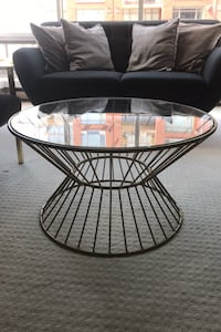 Round glass/metal coffee table (gold)