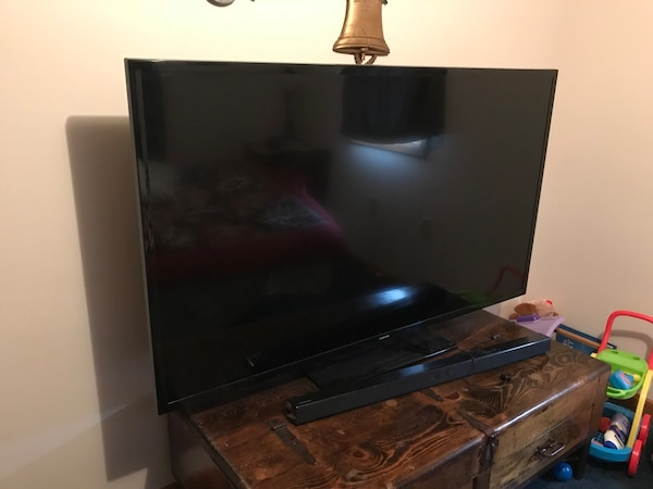 "Samsung 65"" Smart Tv with Surround sound   Payed $1,200 for surround sound  and TV       no issues"