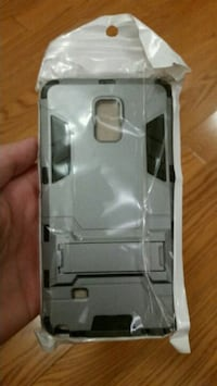 gray and black smartphone case