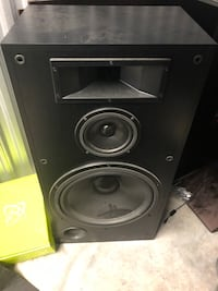 Black and gray high huge speakers very nice Chantilly, 20151