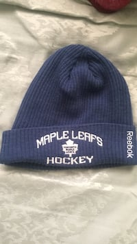 Maple leafs hat