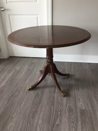 Round Dining Table Chicago, 60605