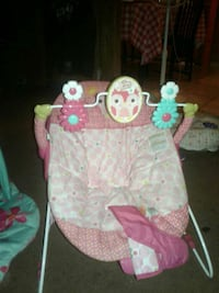 baby's pink and white bouncer Delhi, 95315