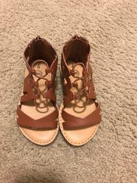 Toddler girl sandals—size 9 Tampa, 33616