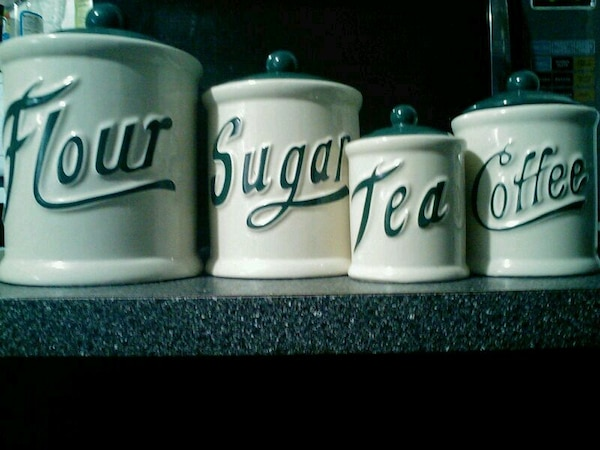 Kitchen containers set of 4