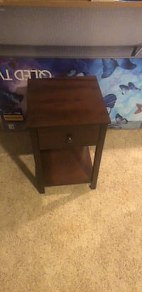 Brown wooden single drawer side table Leesburg, 20176