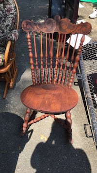 Vintage wooden windsor Rocking chair Jackson, 08527