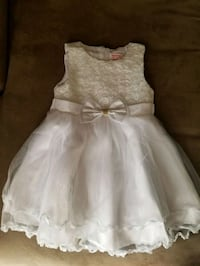 White dress girls size 5 or 6 Los Angeles, 90042