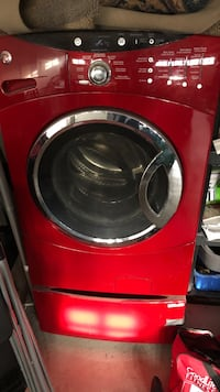 red front-load clothes washer Brampton, L6R 0X3