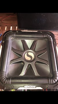 black and gray Kicker subwoofer Chicago, 60643