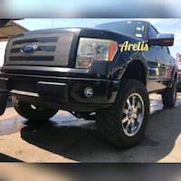 Ford  - F-150 LIFTED - 2011 Houston