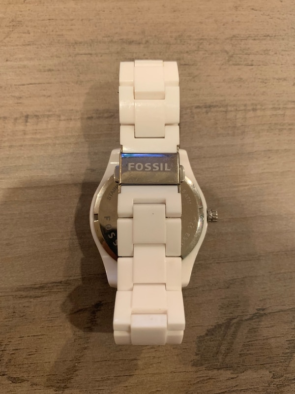 Fossil Watch 46e14c07-123f-4875-99d4-a7285cd7527c