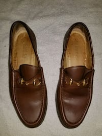 Gucci Women's Brown Horsebit Loafers Size 8.