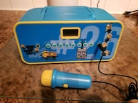 Kids CD player with mic