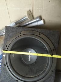 Two   12 inch Fosgates,1100 watts crunch AMP and the box. Make me an offer...  1624 mi