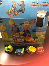 v-tech play set with extra cars
