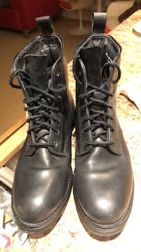 Cole Haan Lockridge boots Size 10. Almost new. North Vancouver, V7M 3H5