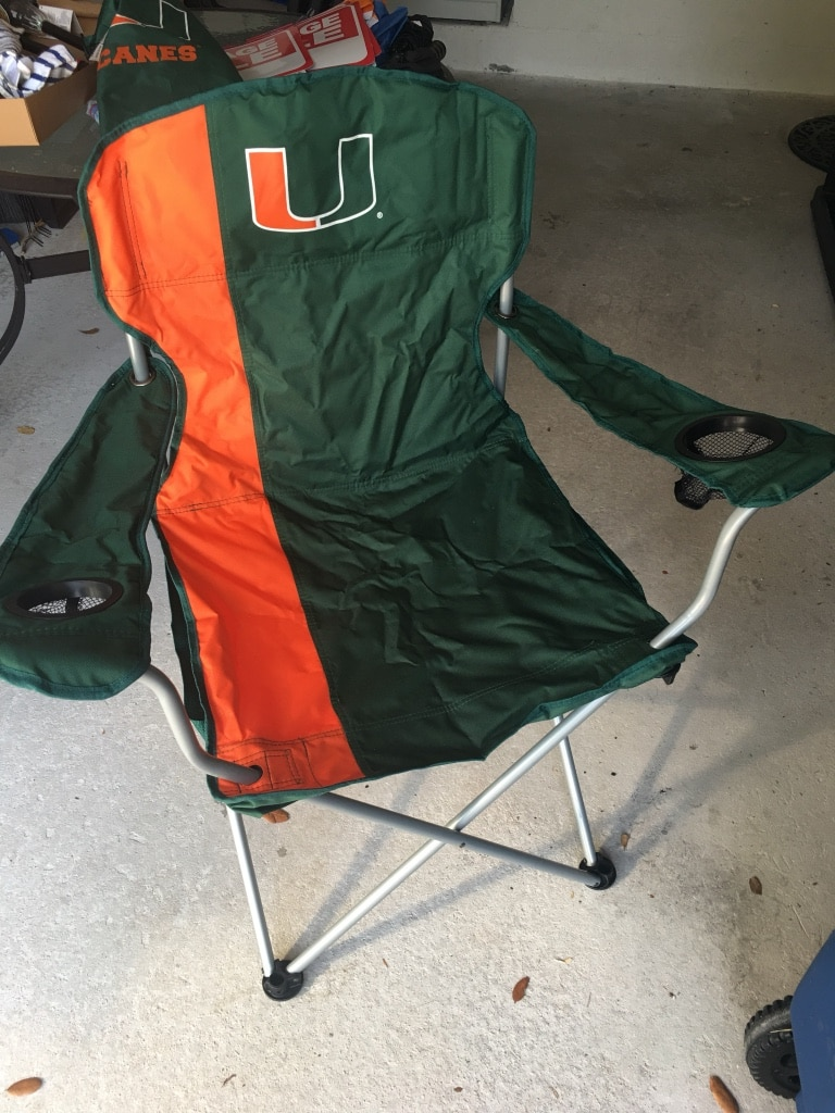 UM tailgate chairs with carrying cases usado en venta en Fort Lauderdale - letgo & UM tailgate chairs with carrying cases usado en venta en Fort ...