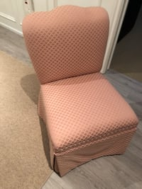 Chair furniture make up chair or little girls room Vaughan, L4L