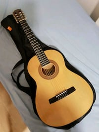 Guitar classic (hohner) bought it disweek for 95eu Barcelona, 08001
