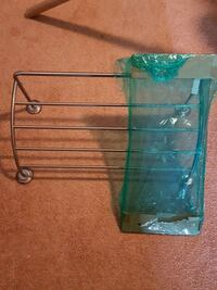 Hanging towel rack with clear glass shelf! Parkville