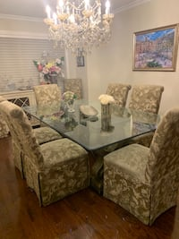 Dining room set / glass / chairs