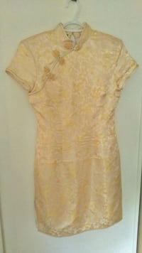 Traditional Chinese Dress in Gold Windsor, N8N 2L9