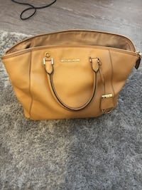 Authentic Michael Kors bag null, TN24