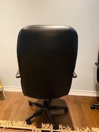 2 chair each 30$ Mississauga, L5N 6Y4