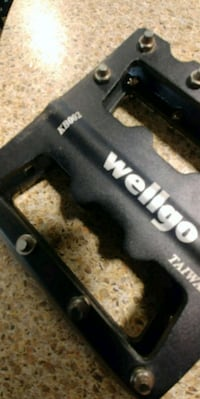 Mountain wellgo bike pedals and 27.5 Maxxis tires Guelph, N1L 0B5