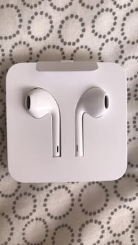 Apple headphones for sale with lightning connector