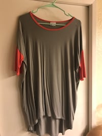 gray and red scoop-neck long-sleeved shirt Bakersfield, 93311