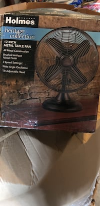 Holmes heritage collection 12 inch metal table fan Sterling, 20164
