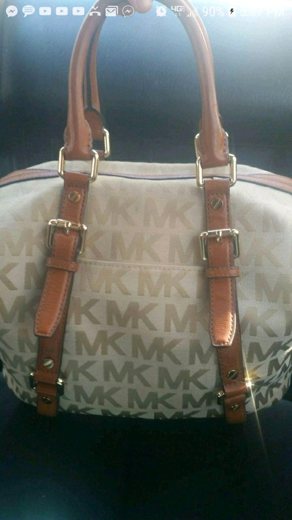 cca148bd2808 Used Practically brand new 300  Michael Kors purse for for sale in Salem -  letgo