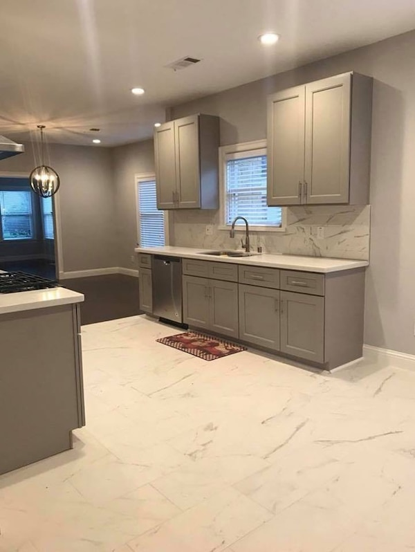 Used Kitchen Cabinets Wholesale to Public for sale in ...