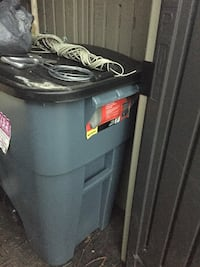 New 50gallon oversized garbage bin London, N5Z 2X7