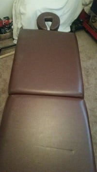 Portable massage table Wilmington, 28403