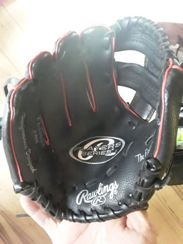 Lefty glove youth 1