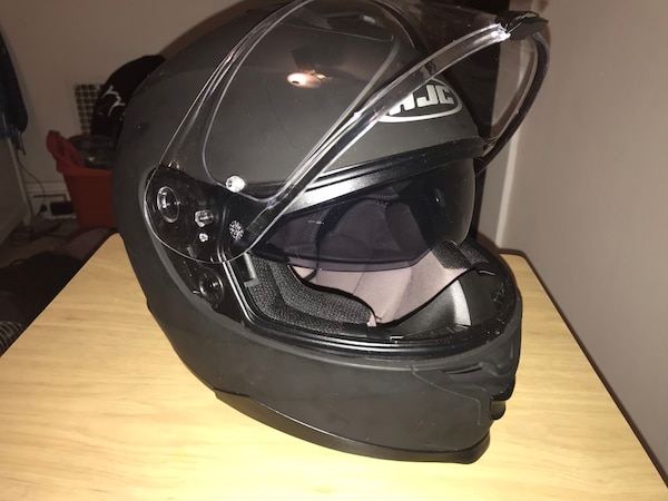 HJC IS-17 Matte Black Motorcycle Helmet 0659b226-8efc-4e00-8f28-8817a60c9e8a