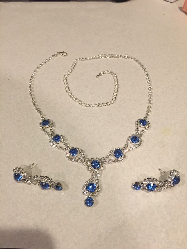 Matching set earrings and necklace